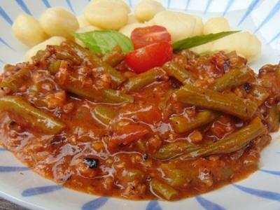 Grüne Bohnen mit Sojahack und Tomaten
